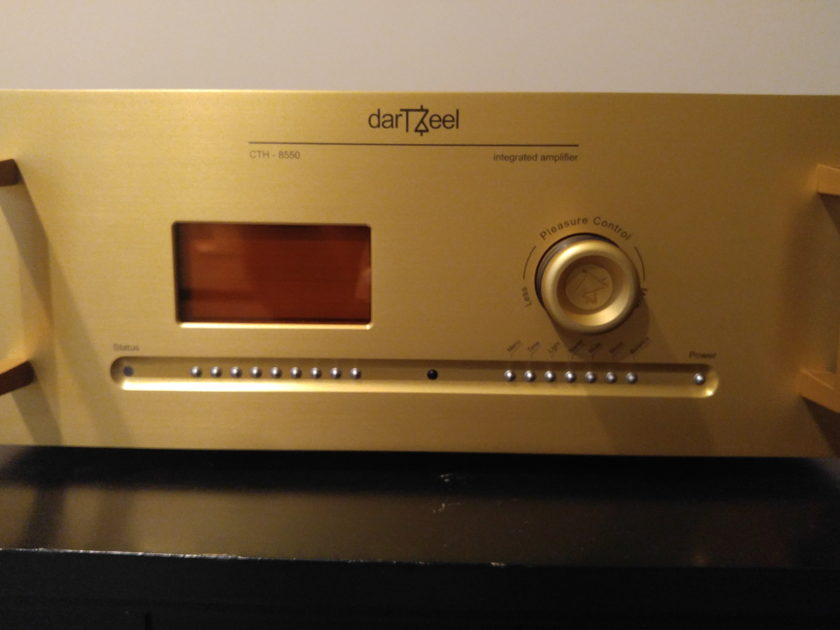 darTZeel darTZeel CTH-8550 Integrated Amplifier / Preamplif