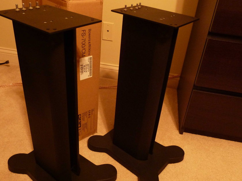 B&W CM5 and FS700 Like new Gloss Black Pair With Stands
