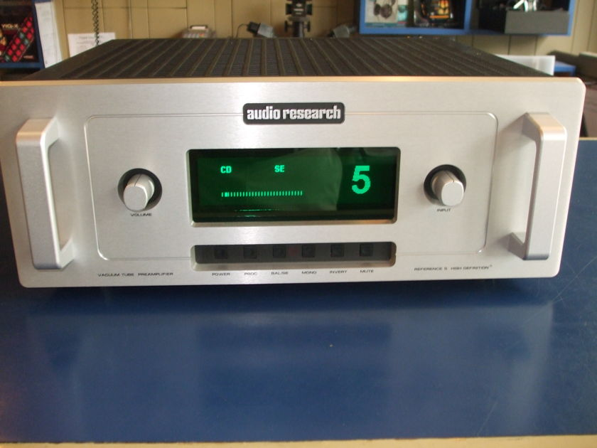 Audio Research Corp REF5 Preamplifier