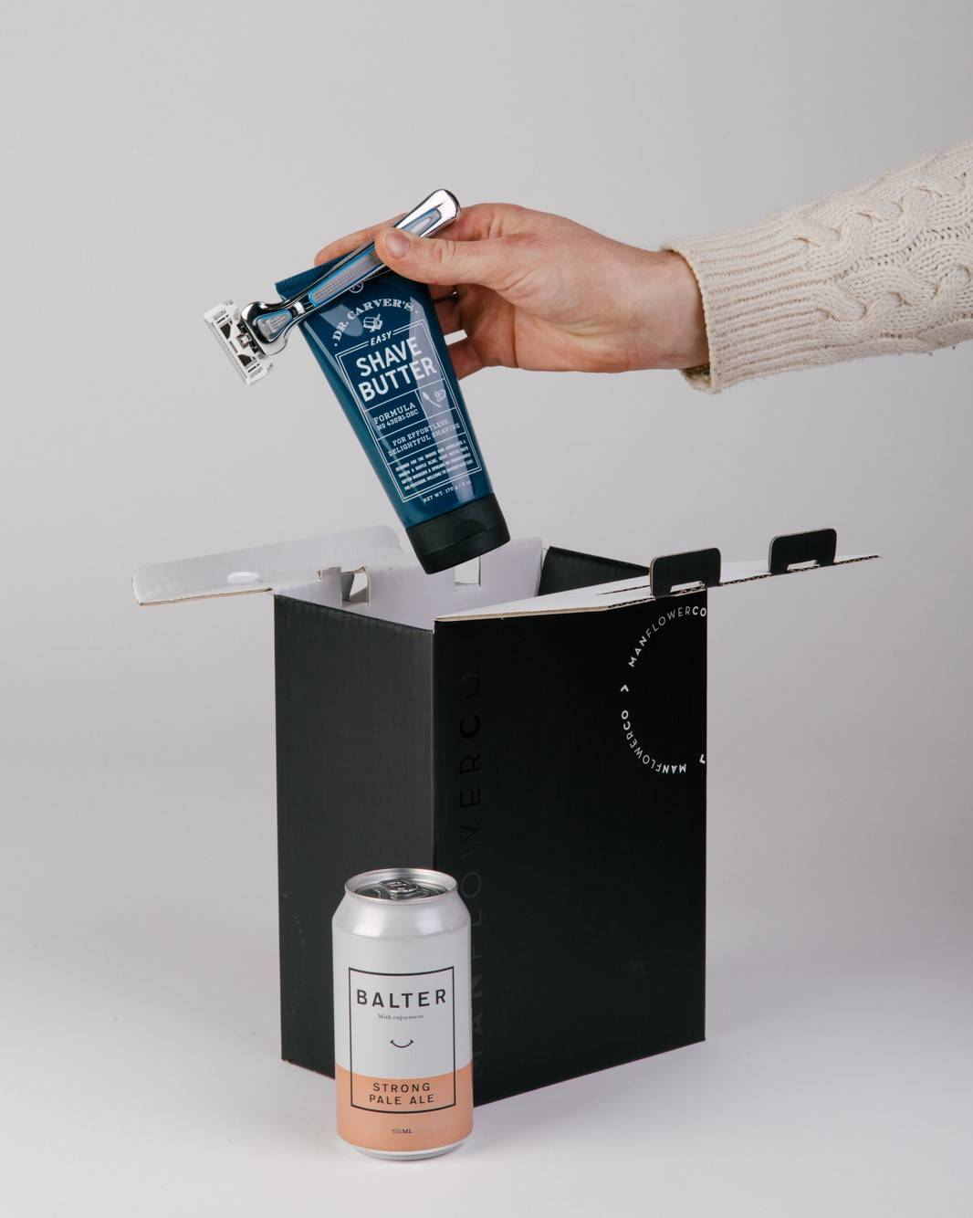 Dollar Shave Club + Balter Brewers, part of Manflower Co's range of holiday gifts for men.