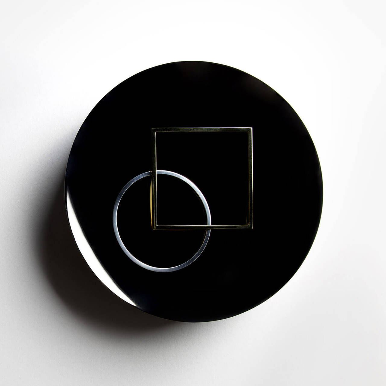 Black Nickel Dish 180 with Round and Square Bangles