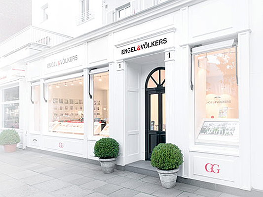 Hamburg - Exemplary real estate shop for franchisees within the Engel Voelkers real estate franchise