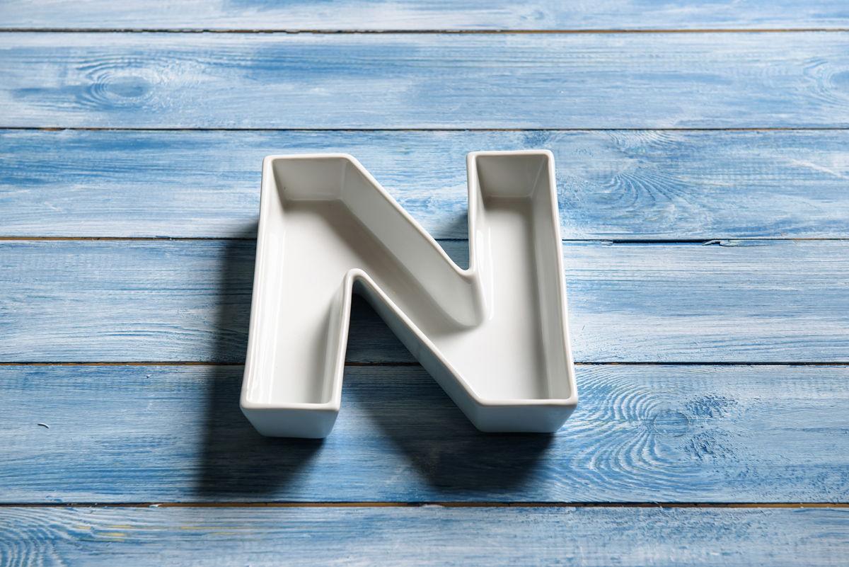 Керамическая буква N