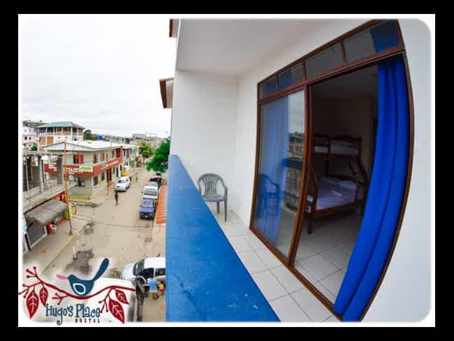Hugo's Place Hostal-Montañita