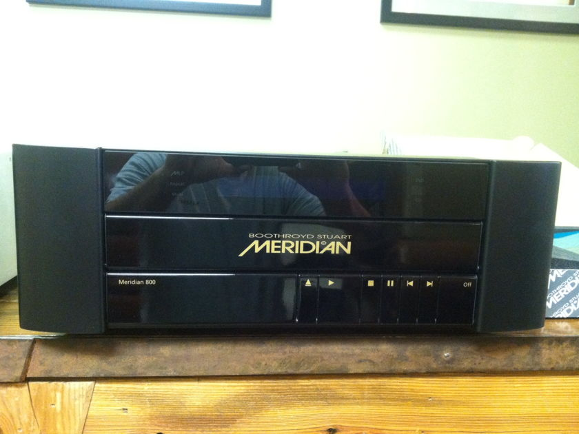 Meridian 800 V3 (selling two) Never used in Box