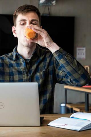 Gründer von Zmoobi Bio Gemüse Obst Smoothie Startup