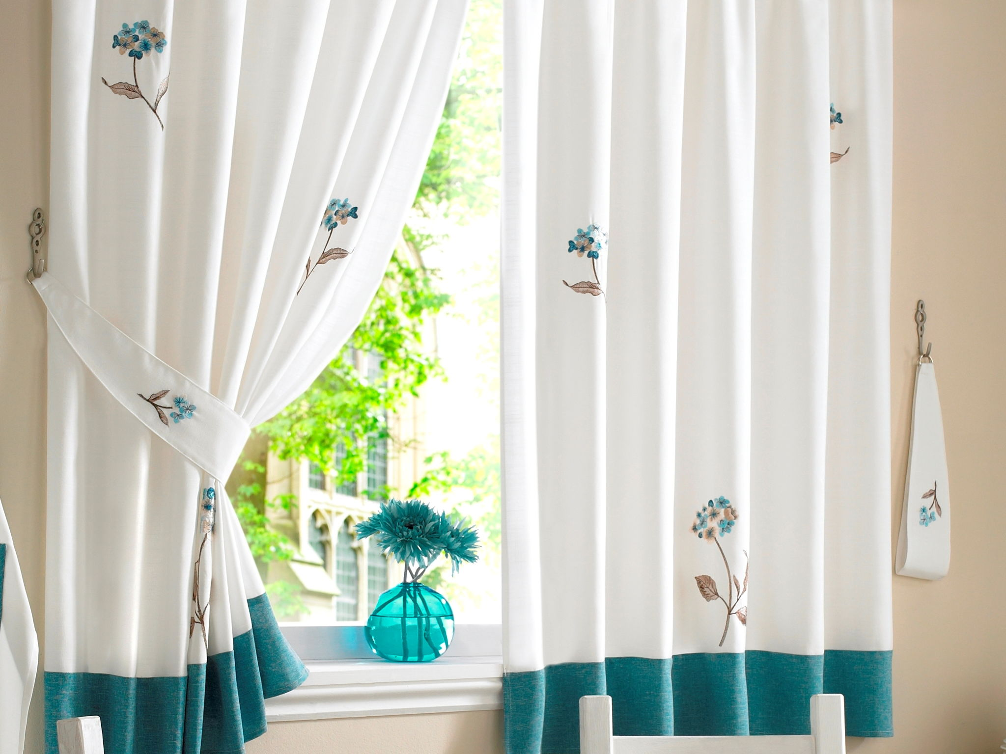 what-to-consider-before-choosing-curtains-for-your-home -curtainsnmore