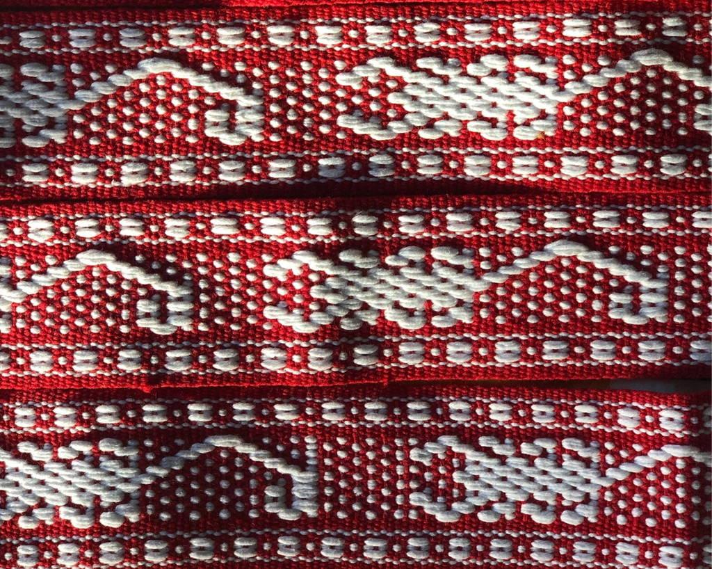 tissage blanc et rouge