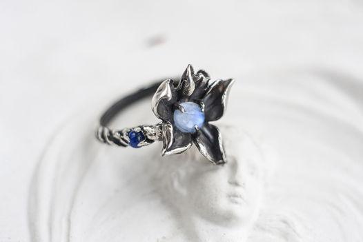 """Винтажное серебряное кольцо с лунным камнем или кристаллом """"19 ВЕК"""""""