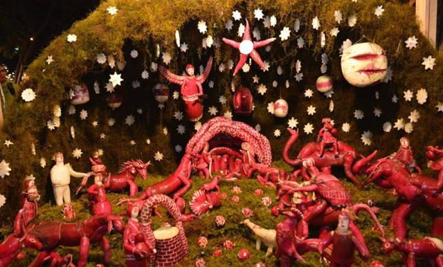 Weird Christmas Traditions La Noche de Rabanos