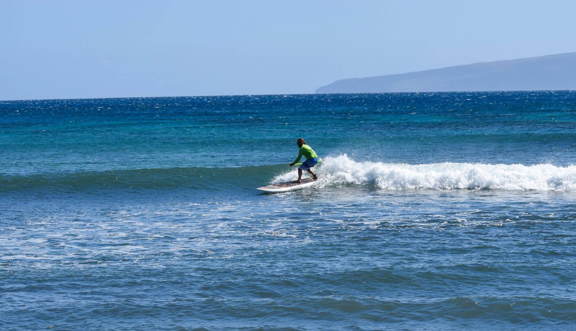 Surfing on Pau Hana Oahu