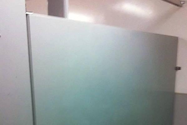 removing graffiti tags from bathroom walls using graffiti safewipes