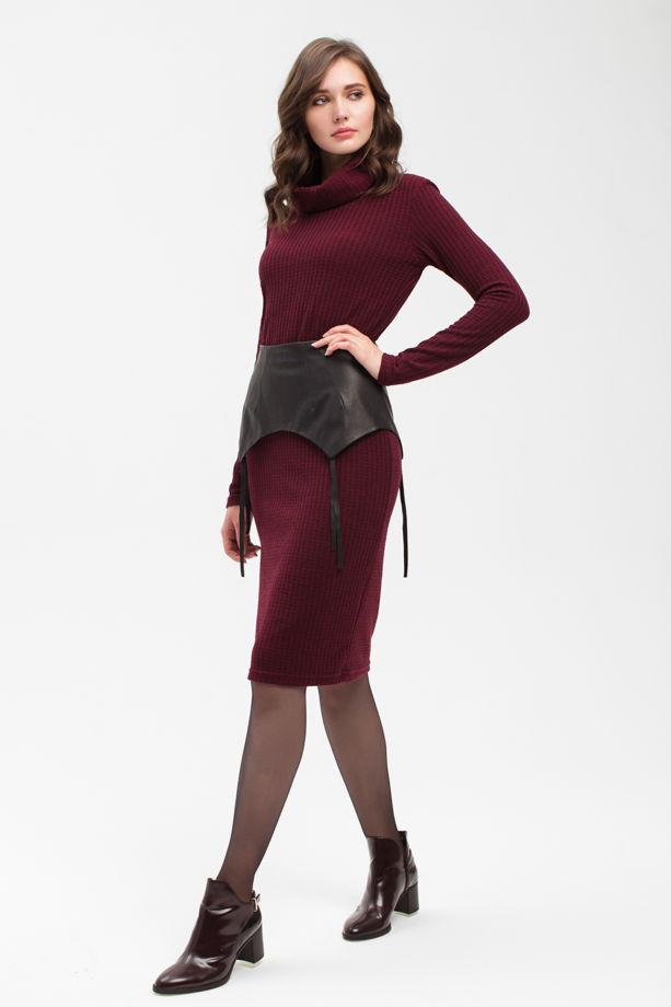 Платье трикотажное в цвете бордо