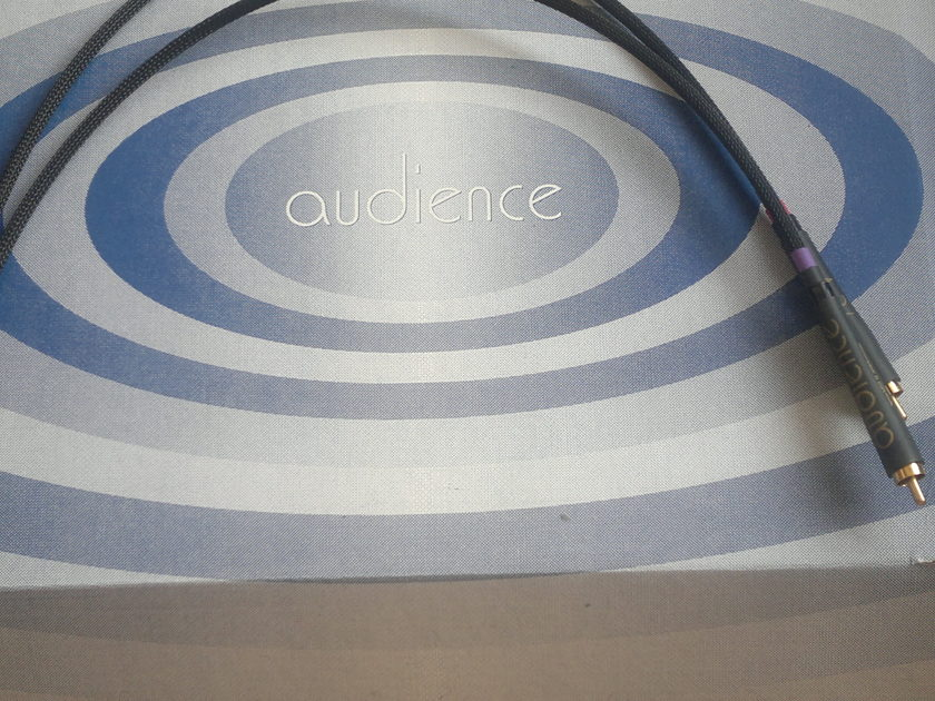 """AUDIENCE """"E""""  PHONO   RCA TO RCA  1,5  -   0.5  METERS  High Z – best for moving coil"""
