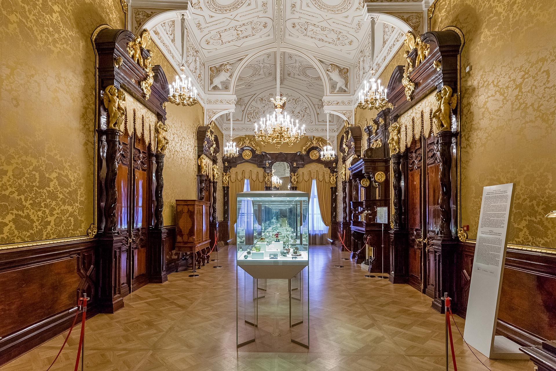 шуваловский дворец фото внутри информации местных жителей
