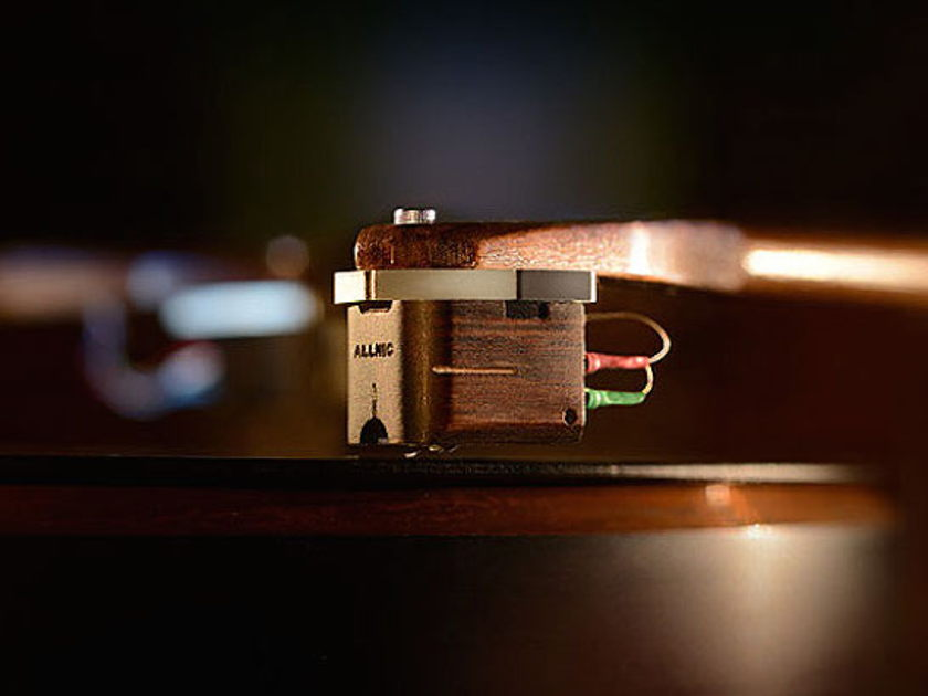 Allnic Audio Moving Coil Phono Cartridge Awesome deal priced to sell as new condition see pics..