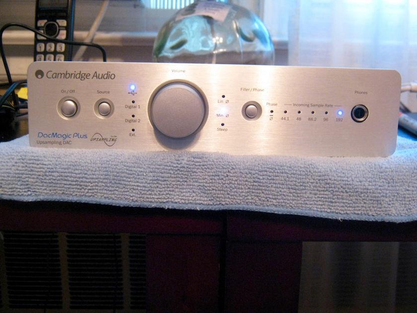 Cambridge Audio Azur DacMagic Plus (silver) **Like New**