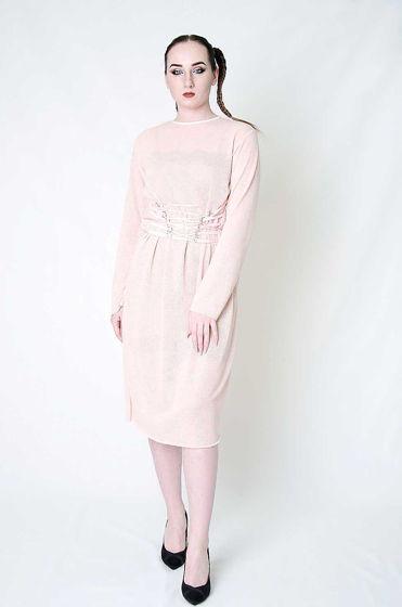 Трикотажное платье на шнуровке