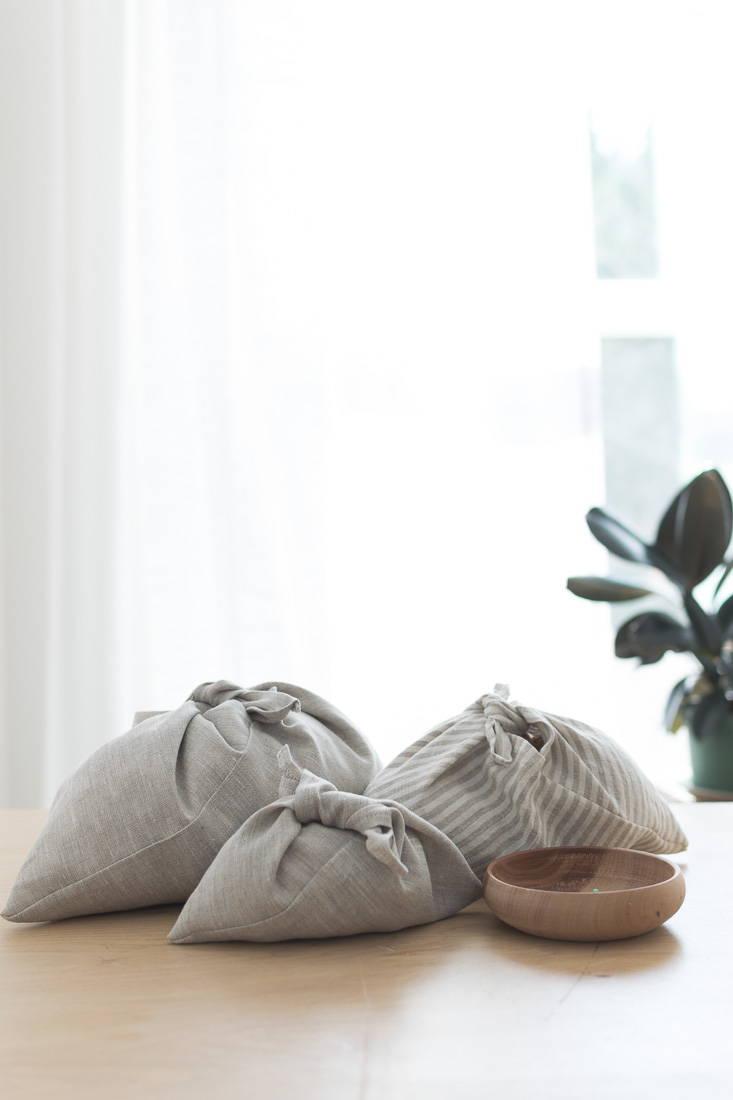 Reusable cloth gift wrapping