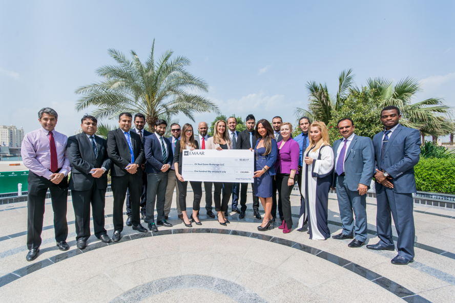 Dubai, United Arab Emirates - sales team emaar award