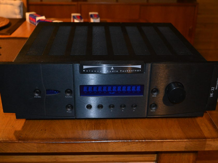 Balanced Audio Technologies BAT VK-32 Preamp