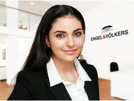 real-estate-agent-helina-shadkamian-engelvoelkers-elbe.jpg