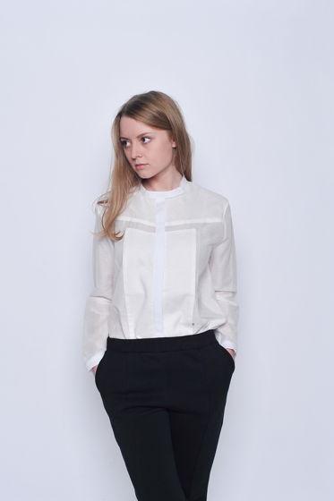 Белая рубашка из тонкого хлопка с манишкой