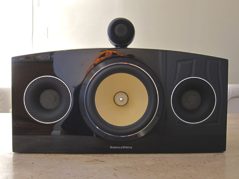 Bowers & Wilkins  B&W HTM4 Diamond D2 Center channel in Black piano Gloss with everything