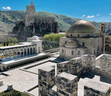 Экскурсия в парк Боржоми, крепость Рабат и пещерный город Вардзия
