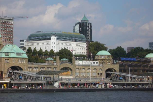 Экскурсии по Гамбургу: пешеходные, автомобильные и автобусные