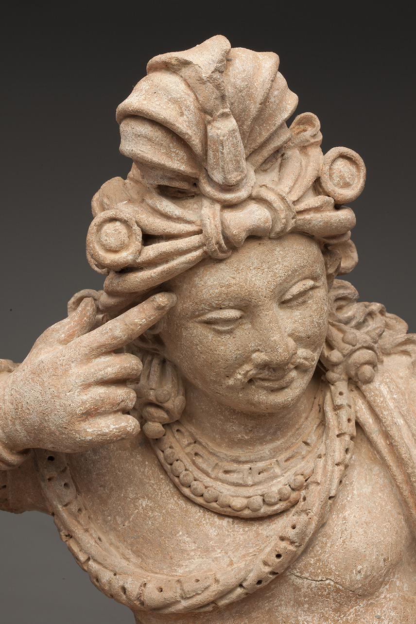 Thinking Bohisattva, detail