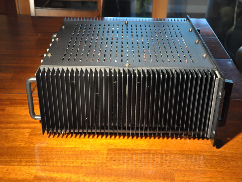 Parasound HCA-1206 135 watts x 6