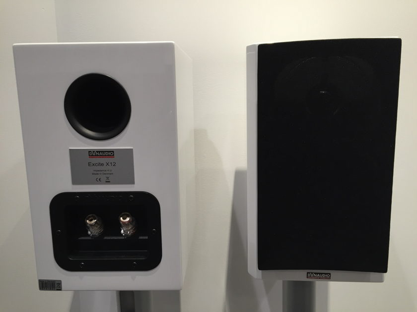 Dynaudio Excite X-12 bookshelf loudspeakers