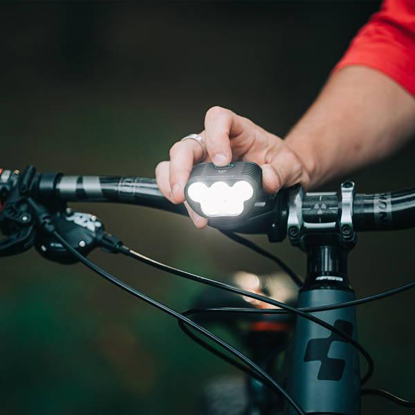 Monteer 8000s powerful bike light
