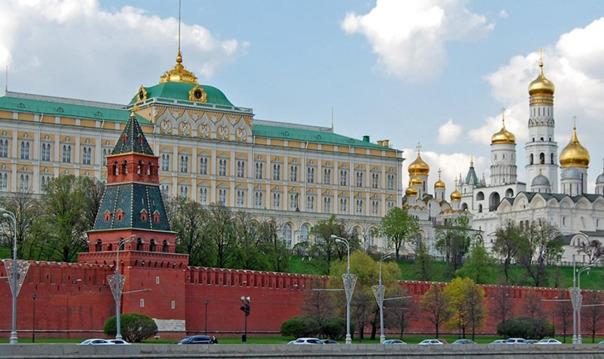 Большой Кремлевский Дворец и Грановитую палату