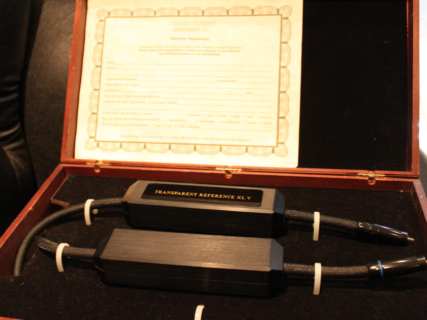 Transparent Reference XL V RCA with wooden box