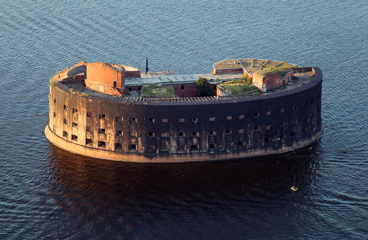Сколько фортов в кронштадте