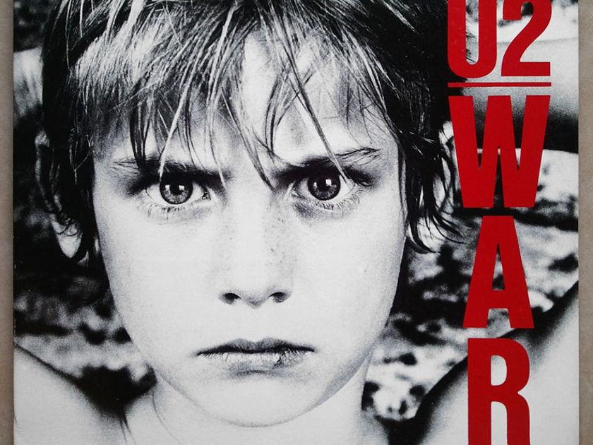 U2 - - WAR