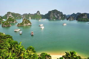 Cruise Ha Long Bay -off the beaten track