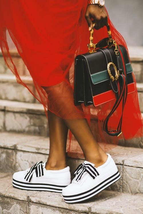 quelle couleur de sac pour quelle tenue