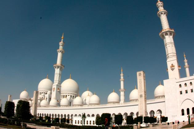 Экскурсия по Абу-Даби + Тематический Парк Мир Феррари