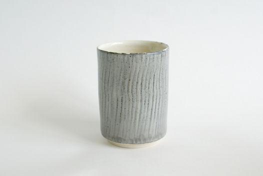 Большой серый  керамический стакан