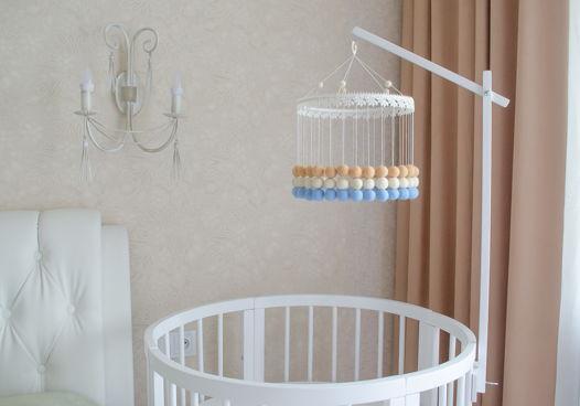 Белый деревянный держатель для мобиля на детскую кроватку ручной работы
