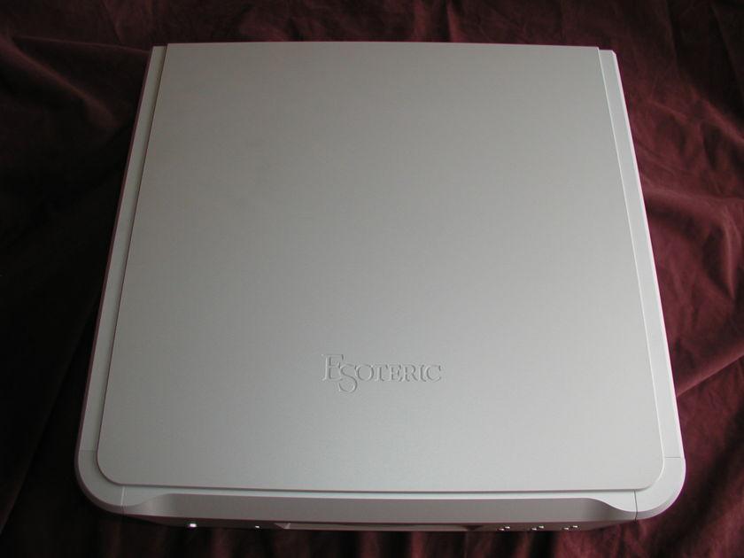 Esoteric K-03 SACD/CD player