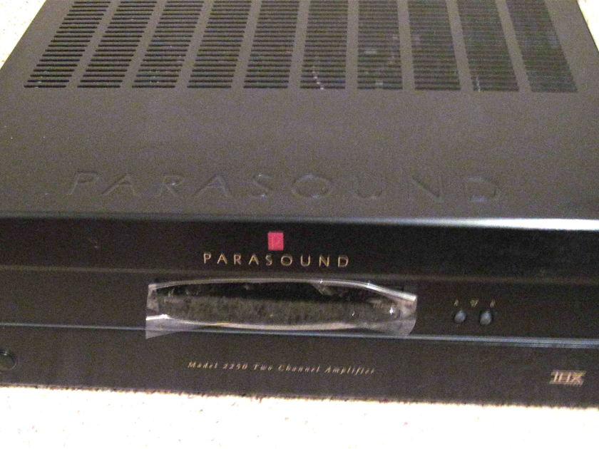 Parasound Amp brand new Out of box 2250 250 wpc