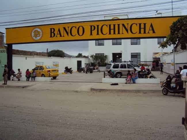 Banco Pichincha-Puerto Lopez