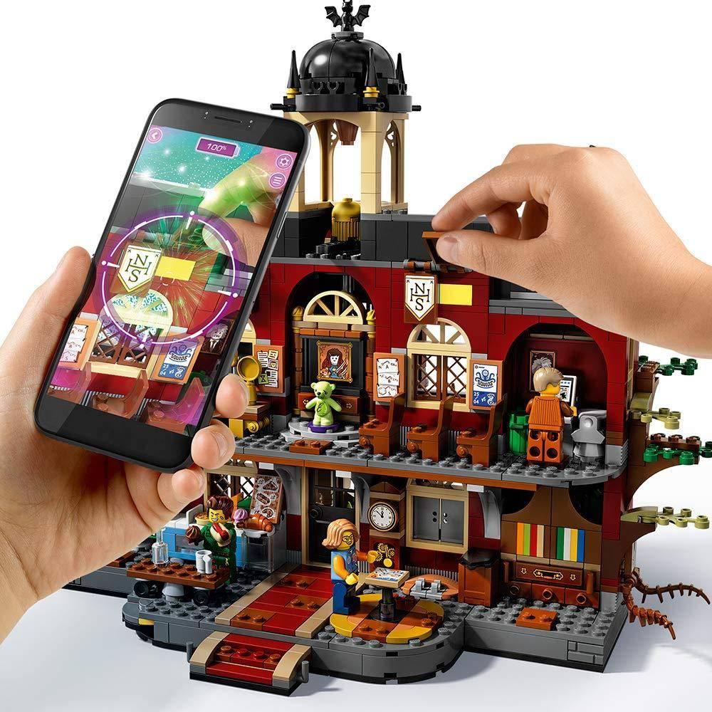LEGO Newbury Haunted High School 70425