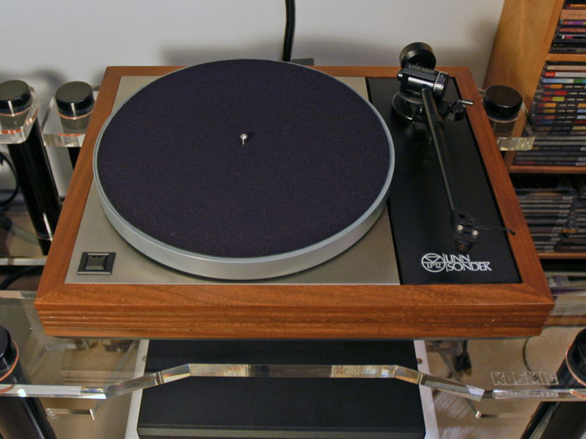 Linn LP12 w/Ekos & Lingo great sounding table