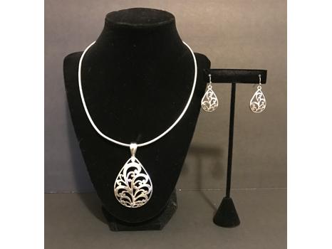 Brighton Inspired Pendant and Earrings