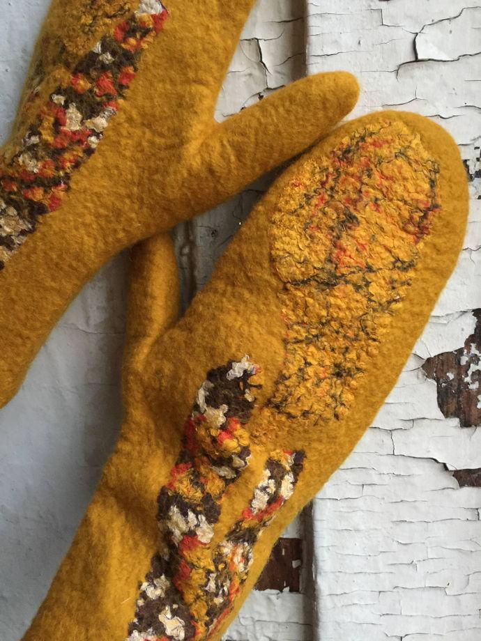 """Варежки """"Шафран"""" из мериносовой шерсти и шелка, валяные варежки"""